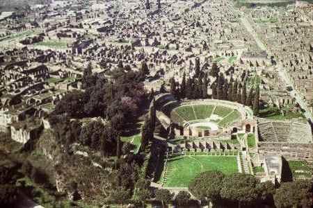 Theaters Of Pompeii Beginning Latin Course Hum Rel 293